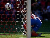 Atletico's Falcao scores goal during La Liga BBVA match. April 14, 2013.(ALTERPHOTOS/Alconada)