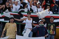 BOGOTÁ -COLOMBIA, 22-06-2013. Aspecto del encuentro entre Independiente Santa Fe y Once Caldas en los cuadrangulares finales, fecha 3, de la Liga Postobón 2013-1 jugado en el estadio el Campín de la ciudad de Bogotá./ Aspect of match between Santa Fe and Once Caldas during match of the final quadrangular 3th date of Postobon  League 2013-1 at El Campin stadium in Bogotá city. Photo: VizzorImage/STR