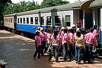 Estação ferroviaria em Kachanaburi. Tailandia. 2008. Foto de Caio Vilela.