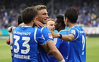 celebrate the goal, Torjubel zum 3:0 von Felix Platte (SV Darmstadt 98) mit Romain Bregerie (SV Darmstadt 98), Dong Won Ji (SV Darmstadt 98), Tobias Kempe (SV Darmstadt 98) - 28.04.2018: SV Darmstadt 98 vs. 1. FC Union Berlin, Stadion am Boellenfalltor, 32. Spieltag 2. Bundesliga