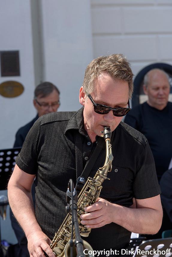 Jazz am Stortorget, Ystad, Provinz Skåne (Schonen), Schweden, Europa<br /> Jazz at Stortorget  in Ystad, Sweden
