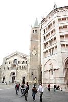 La Cattedrale di Parma, sulla sinistra, e il Battistero.<br /> The Cathedral of Parma, at left, and the Baptistery.<br /> UPDATE IMAGES PRESS/Riccardo De Luca