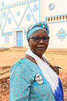 NIGER, Niamey, Fatouma Marie-Therése Djibo am Nationalmuseum