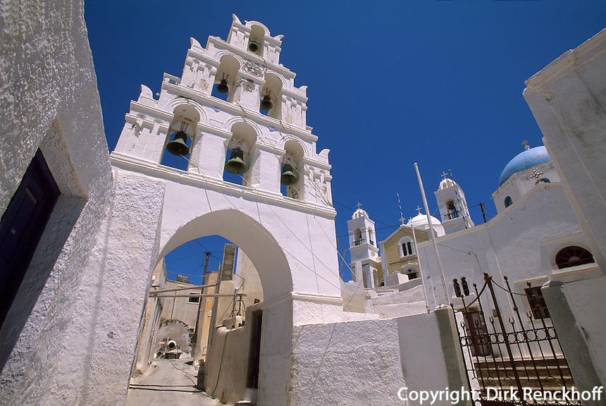 Glockenturm und Kirche Agios Damian in Megalochori, Insel Santorin (Santorini), Griechenland, Europa
