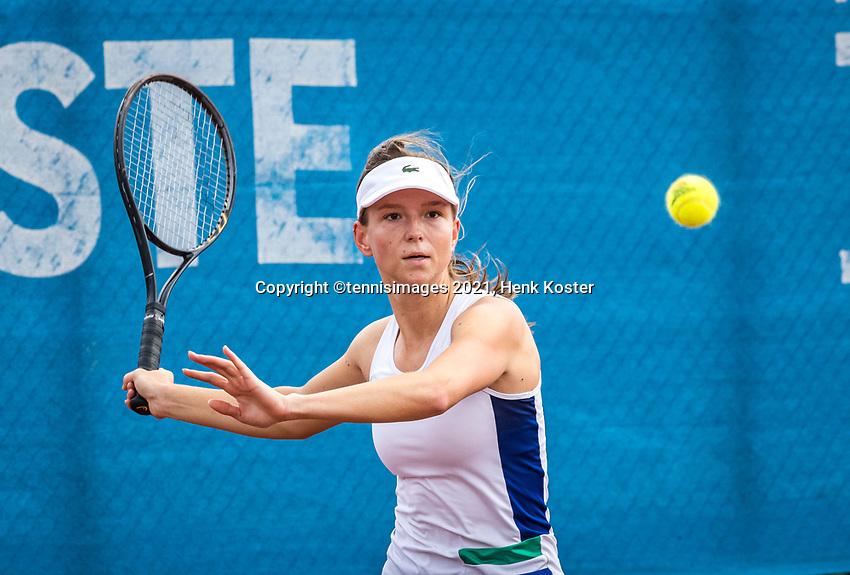 Amstelveen, Netherlands, 5  Juli, 2021, National Tennis Center, NTC, AmstelveenWomans Open, Perla Nieuwboer (NED)<br /> Photo: Henk Koster/tennisimages.com