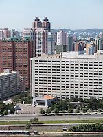 Skyline von Pyongyang, Nordkorea, Asien<br /> Skyline of  Pyongyang, North Korea, Asia