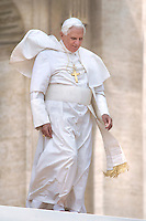 Pope Benedict XVI general audience in Saint Peter's Square; 22,04,2009.. December. 25, 2007.. .