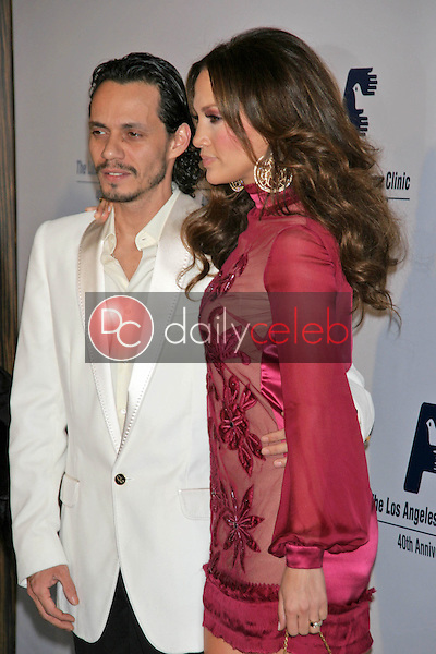 Marc Anthony and Jennifer Lopez<br />at the Friends of the Los Angles Free Clinic Annual Dinner Gala. Beverly Hilton Hotel, Beverly Hills, CA. 11-20-06<br />Dave Edwards/DailyCeleb.com 818-249-4998