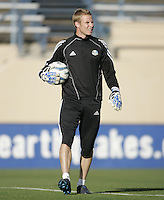 23 April 2005: Wizards' goalkeeper coach John Cone warms up with his goalkeepers in practice before the game against Wizards at Spartan Stadium in San Jose, California.   Earthquakes defeated Wizards, 3-2.  Credit: Michael Pimentel / ISI