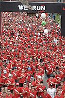 BOGOTÁ -COLOMBIA. 10-11-2013. We Run Bogotá 10k 2013 se cumplió con un recorrido de 10 km por las calles de la ciudad y terminó en el parque Metropolitano Simón Bolívar./  We Run Bogota 10k 2013 the race was met with a distance of 10km for the streets of the city and finished in the Metropolitano Simon Bolivar park. Photo: VizzorImage/Gabriel Aponte/ Str