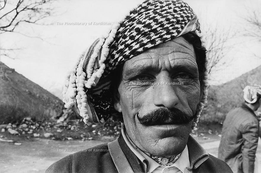 Iraq 1974 <br /> The resumption of hostilities, portrait of a peshmerga  <br /> Irak 1974 <br /> La reprise de la lutte armée, portrait d'un peshmerga