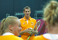 Moskou, Russia, Februari 4, 2016,  Fed Cup Russia-Netherlands,  Dutch team practise,  Captain Paul Haarhuis  with  Richel Hogenkamp (R) and Kiki Bertens<br /> Photo: Tennisimages/Henk Koster