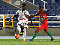 CALI - COLOMBIA – 13 -02-2017: Alejandro Peñaranda (Der.) jugador de Cortulua, disputa el balón con Nicolas Carreño (Izq.) jugador de Patriotas FC, durante partido entre Cortulua y Patriotas FC, por la fecha 3 de la Liga Aguila I 2017 jugado en el estadio Pascual Guerrero de la ciudad de Cali. / Alejandro Peñaranda (R) of player of Cortulua vies for the ball with Nicolas Carreño (L), player of Patriotas FC, during a match Cortulua and Patriotas FC, for the date 3 of the Liga Aguila I 2017 played at the Pascual Guerrero stadium in Cali city. Photo: VizzorImage / Luis Ramirez / Staff.