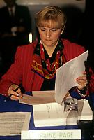 FILE -<br /> Lorraine Page<br />  , CEQ, dans les annees 90<br /> <br /> PHOTO  : Pierre Roussel - Agence Quebec Presse