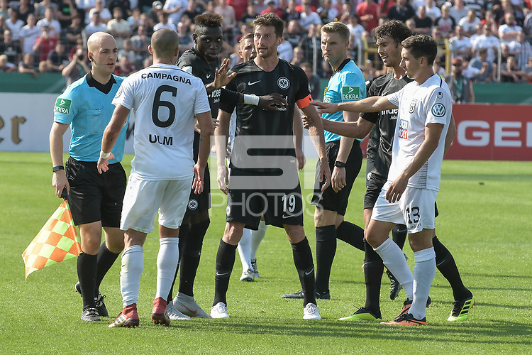 Luigi Campagna (SSV Ulm 1846 #6) and David Abraham (Eintracht Frankfurt #19) geraten aneinander , SSV Ulm 1846 - Eintracht Frankfurt, Football, DFB-Pokal,round 1, 18.08.2018<br />DFB RULES PROHIBIT USE IN MMS SERVICES VIA HANDHELD DEVICES UNTIL TWO HOURS AFTER A MATCH AND ANY USAGE ON INTERNET OR ONLINE MEDIA SIMULATING VIDEO FOOdayE DURING THE MATCH. *** Local Caption *** © pixathlon<br /> Contact: +49-40-22 63 02 60 , info@pixathlon.de