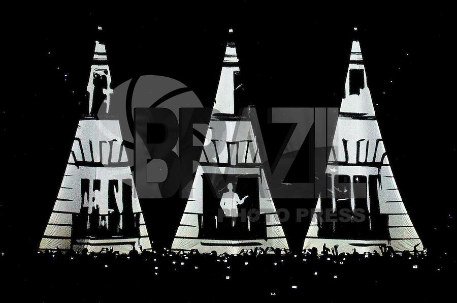 """SAO PAULO, SP, 18 DE MARÇO DE 2013 - SHOW ALEJANDRO SANZ - O cantor espanhol Alejandro Sanz durante show da turnê mundia """"La Musica No Se Toca"""" que foi realizado na noite desta segunda feira (18) no Credicard Hall em São Paulo. FOTO: LEVI BIANCO - BRAZIL PHOTO PRESS"""