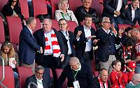 07.04.2018, Football 1. Bundesliga 2017/2018, 29.  match day, FC Augsburg - FC Bayern Muenchen, in WWK-Arena Augsburg. FC Bayern ist   dem 3:1 Sieg Germanr Football Meister 2018,   Schlusspfiff wird bei den Fans in Kurve gecelebrates,  v.li: Vorstandsvorsitzender Karl-Heinz Rummenigge (FC Bayern Muenchen) shakehands and president Uli Hoeness (FC Bayern) . *** Local Caption *** © pixathlon<br /> <br /> Contact: +49-40-22 63 02 60 , info@pixathlon.de