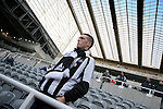 Newcastle United 2 Watford 1, 16/12/2006. St James Park, Premier League. Newcastle United take on Watford (yellow shirts) in a Premiership match at St. James' Park, Newcastle. Both teams were struggling near the bottom of the table with the newly-promoted visitors occupying one of the three relegation at the time of the match. Newcastle won by 2 goals to 1, both being scored by Obafemi Martins. Hameur Bouazza had equalised before United's late winner. Photo shows the interior of St. James Park with United fans waiting for the game to start. Photo by Colin McPherson.