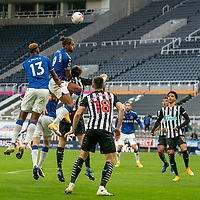 1st November 2020; St James Park, Newcastle, Tyne and Wear, England; English Premier League Football, Newcastle United versus Everton; Dominic Calvert-Lewin of Everton climbing with Yerry Mina of Everton against Jamaal Lascelles of Newcastle United in the second half