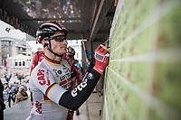 André Greipel (DEU/Lotto-Soudal) signs on.<br /> <br /> 105th Scheldeprijs 2017 (1.HC)<br /> 1 Day Race: Mol › Schoten (BEL/202km)