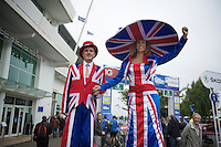 Mr & Ms Union Jack<br /> <br /> 2013 Tour of Britain<br /> stage 7: Epsom to Guilford (155km)