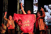 SÃO PAULO, SP 02.06.2019: FESTIVAL LULA LIVRE-SP - Arthur, neto de Lula. Artistas e militantes se uniram no Festival Lula Livre, que aconteceu na tarde deste domingo (02) na Praça da República, zona central da capital paulista, em protesto contra a prisão do ex-presidente Lula. (Foto: Ale Frata/Codigo19)