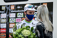 World Champion Julian Alaphilippe (FRA/Deceuninck - QuickStep) wins his 3rd Fléche and offers his victory flowers to his girlfriend Marion Rousse.<br /> <br /> 85th La Flèche Wallonne 2021 (1.UWT)<br /> 1 day race from Charleroi to the Mur de Huy (BEL): 194km<br /> <br /> ©kramon