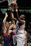 Real Madrid's D'or Fischer (r) and FC Barcelona's Kosta Perovic (l) and Erazem Lorbek (c) during ACB Supercup Semifinal match.September 24,2010. (ALTERPHOTOS/Acero)