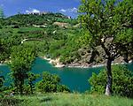 ITA, Italien, Marken, Dorf Fiegni am Lago di Fiastra   ITA, Italy, Marche, village Fiegni at Lago di Fiastra