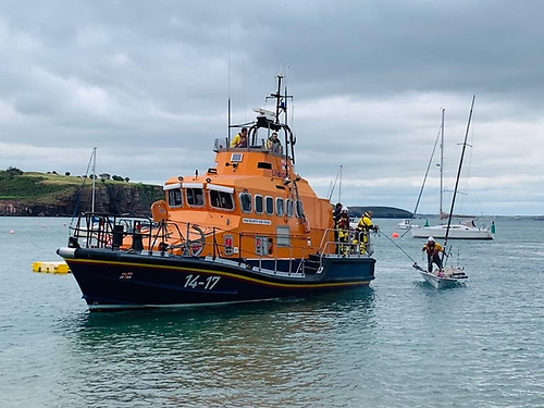 Dunmore East RNLI in county Waterford tows home a sailor