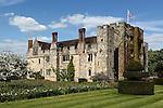 Great Britain, England, Kent, Hever, near Edenbridge: Hever Castle, home of Anne Boleyn (wife of King Henry 8th), restored by William Waldorf Astor