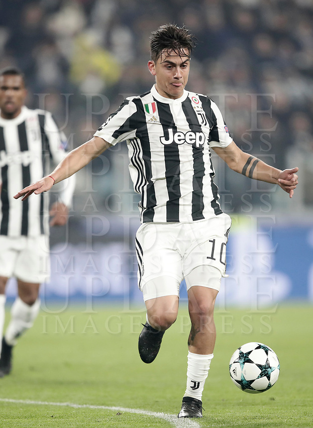 Football Soccer: UEFA Champions League Juventus vs FC Barcelona Allianz Stadium. Turin, Italy, November 22, 2017. <br /> Juventus' Paulo Dybala in action during the Uefa Champions League football soccer match between Juventus and FC Barcelona at Allianz Stadium in Turin, November 22, 2017.<br /> UPDATE IMAGES PRESS/Isabella Bonotto