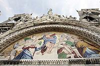 Mosaici sulla facciata della Basilica di San Marco a Venezia.<br /> Mosaics on the facade of Patriarchal Cathedral Basilica of St. Mark, in Venice.<br /> UPDATE IMAGES PRESS/Riccardo De Luca