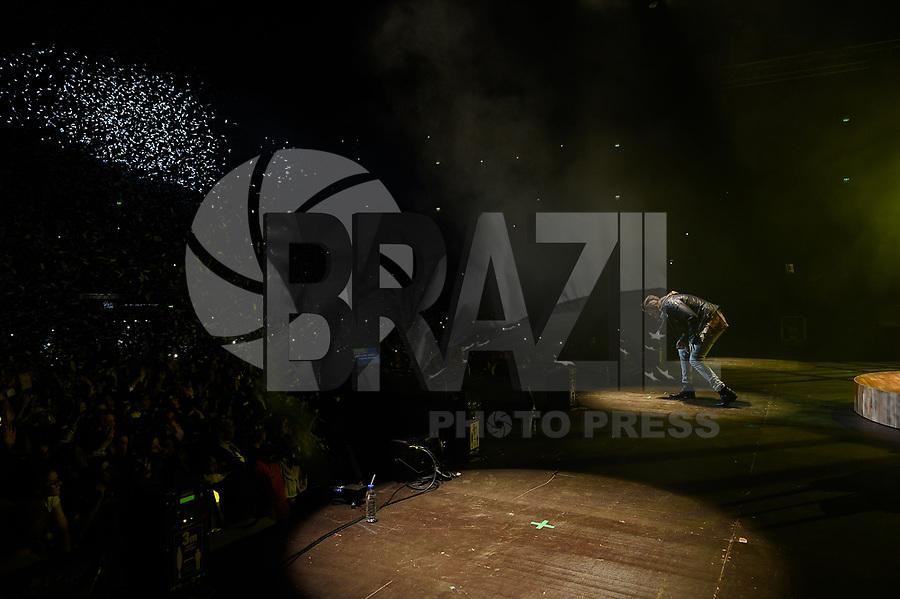 LISBOA, PORTUGAL, 17.02.2018- SHOW - PORTUGAL - O cantor brasileiro Luan Santana durante apresentação do seu show no Altice Arena, em Lisboa, Portugal, nesse sábado,17 (Foto: Bruno de Carvalho/Brazil Photo Press)