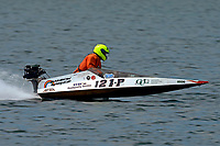 121-P   (Outboard Runabout)