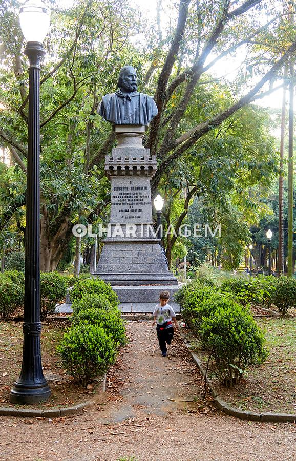 Busto de Garibaldi. Parque Jardim da Luz em São Paulo. 2021. Foto © Juca Martins.