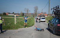 crash by Simone Antonini (ITA/Wanty - Groupe Gobert)<br /> <br /> 60th E3 Harelbeke (1.UWT)<br /> 1day race: Harelbeke › Harelbeke - BEL (206km)