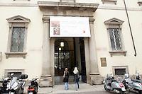 L'entrata della Pinacoteca Ambrosiana a Milano.<br /> The entrance the Pinacoteca Ambrosiana art gallery in Milan.<br /> UPDATE IMAGES PRESS/Riccardo De Luca