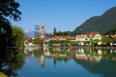CHE, SCHWEIZ, Kanton Bern, Berner Oberland, Interlaken: Altstadt und Fluss Aare | CHE, Switzerland, Bern Canton, Bernese Oberland, Interlaken: Old Town and river Aare