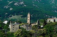 Dorf om Orezza-Tal in der Castaniccia, Korsika, Frankreich