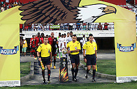 CUCUTA - COLOMBIA -15 -08-2015: Carlos Betancourt, arbitro, de Independiente Santa Fe, durante partido entre Cucuta Deportivo y Alianza Petrolera, por la fecha 10 de la Liga Aguila II-2015, jugado en el estadio General Santander de la ciudad de Cucuta. / Carlos Betancourt, referee, of Independiente Santa Fe, during a match between Cucuta Deportivo and Alianza Petrolera, for the date 10of the Liga Aguila II-2015 at the General Santander Stadium in Cucuta city, Photo: VizzorImage / Manuel Hernandez/ Cont.