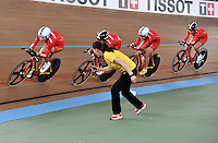 CALI – COLOMBIA – 16-01-2015: Equipo de China, durante prueba de persecución por equipos femenino en el Velodromo Alcides Nieto Patiño, sede de la III Copa Mundo UCI de Pista de Cali 2014-2015  / China Team, during a Women´s Teams Pursuit test at the Alcides Nieto Patiño Velodrome, home of the III Cali Track World Cup 2014-2015 UCI. Photos: VizzorImage / Luis Ramirez / Staff.