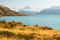 Aoraki Mount Cook and Lake Pukaki in morning, Aoraki Mt. National Park, UNESCO World Heritage Area, Mackenzie Country, New Zealand, NZ