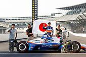 Winner #30: Takuma Sato, Rahal Letterman Lanigan Racing Honda with Hiro Matsumoto, Hiko Amano and Kazuki Saito