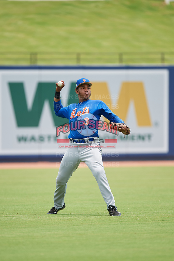 GCL Mets left fielder Edinson Valdez (3) throws the ball back to the infield during the second game of a doubleheader against the GCL Nationals on July 22, 2017 at The Ballpark of the Palm Beaches in Palm Beach, Florida.  GCL Mets defeated the GCL Nationals 4-1.  (Mike Janes/Four Seam Images)