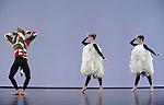 ANTIC MEET....Adaptateur : NEELS Sandra SWINSTON Robert..Choregraphie : CUNNINGHAM Merce..Mise en scene : CUNNINGHAM Merce..Compositeur : CAGE John..Compagnie : Merce Cunningham Dance Company..Decor : RAUSCHENBERG Robert..Lumiere : CHALLENBERG Christine..Costumes : RAUSCHENBERG Robert..Avec :..MADOFF Daniel..SCOTT Jamie..DESJARDINS Emma..Lieu : Theatre de la Ville..Cadre : Festival d Automne 2010..Ville : Paris..Le : 03 11 2010..© Laurent PAILLIER / photosdedanse.com..All Right reserved