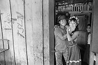 - Nicaragua, young couple in the community of Kukra Hill, on the Atlantic coast (January 1988)<br /> <br /> - Nicaragua, giovane coppia nella comunità di Kukra Hill, sulla costa Atlantica (Gennaio 1988)