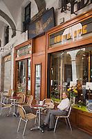 Europe/France/Rhône-Alpes/73/Savoie/Chambéry:  Pâtisserie: Au Fidèle Berger - la terrasse -<br /> Rue de Boigne