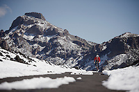 Riding up the snow covered Tiede Pass<br /> <br /> Tenerife 2016