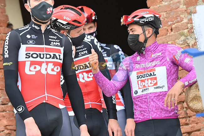 Caleb Ewan (AUS) Lotto Soudal wearing the Maglia Ciclamino at sign on before the start of Stage 3 of Tirreno-Adriatico Eolo 2021, running 219km from Monticiano to Gualdo Tadino, Italy. 12th March 2021. <br /> Photo: LaPresse/Gian Mattia D'Alberto | Cyclefile<br /> <br /> All photos usage must carry mandatory copyright credit (© Cyclefile | LaPresse/Gian Mattia D'Alberto)